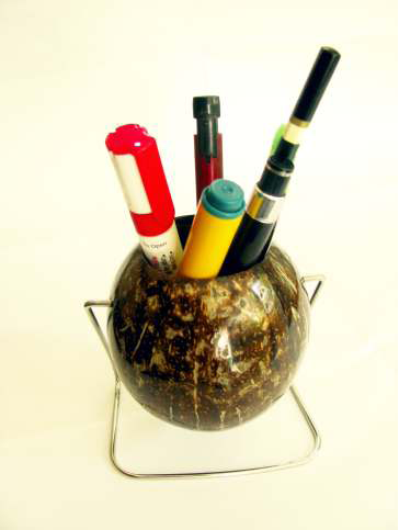 Coconut Shell Pen stand (Glossy)